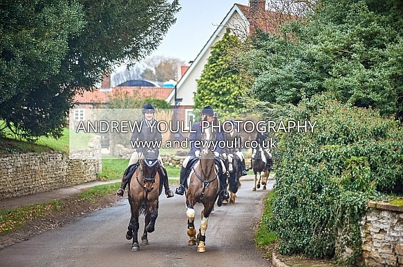 Yorkshire Farmers Bloodhounds - Walcot Hall Hunt - 20JAN2019